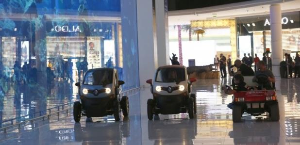 Grosjean Maldonado Renault Dubai Mall