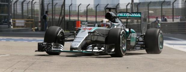 Mercedes Hamilton 2015 Chiny trening