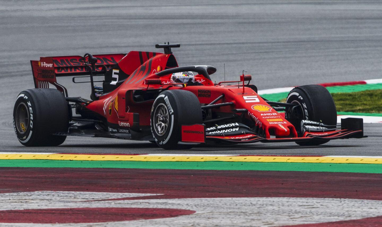 2019-Testy-Ferrari-Vettel-Barcelona.jpg